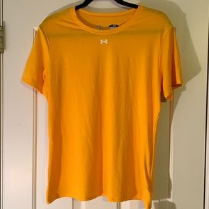 Under Armour Yellow Loose Fit T-Shirt Size Large